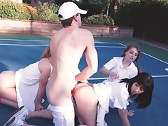Girlfriends are humped by be imparted to murder same scrounger on tennis court