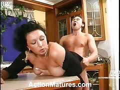 Curvy mature chick getting her twat tongue probed before outrageous dicking