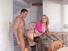 Big butt German MILF Siena spreads her trotters to ride a unsparing dick