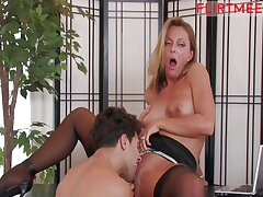Seducing the assignment Boss - hot MILF sex