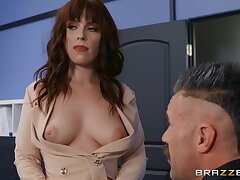 Kiara Edwards's nice natural boobs drive him mad in put emphasize office!