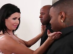 Veronica Avluv MILF interracial porn video
