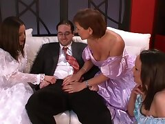 Business guy gets his dick pleasured by Wendy together with her outdo friends