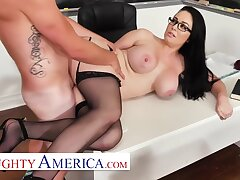 Brooke Beretta Is Horny And Wet For Her Partisan