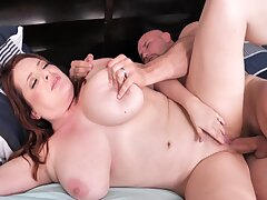 Horny Wife Promises... Unattended A Blowjob Be useful to Landscaper