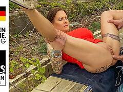 Anal bitch Julia lets Kevin fuck her ass! StevenShame.dating