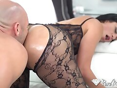 Wondrous hot nympho Cristal Caraballo flashes her booty and gives a driveway