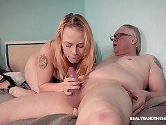 Old vs young porn video nigh skinny blonde tiro Chrystal Sinn