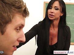 My first sex with fucking hot mature teacher Jewels Tire