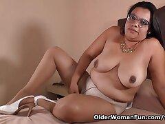 Latina Milf Karina Craves Bodily Relief