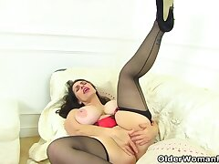 Licks Her And Fingers Her Hit up - Josephine James, Daniella English And Huge Boobs