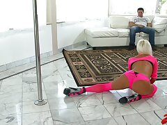 Sweltering MILF Nikita Von James teases and gets cum nearby brashness success