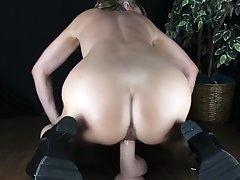 CARING BUBBLE Tochis MOM GIVES INTO NERVOUS STEP SON With an increment of RIDES HIS COCK