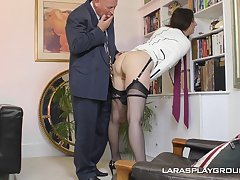 Mature amateurish brunette Paul strips with reference to a catch office and teases her boss
