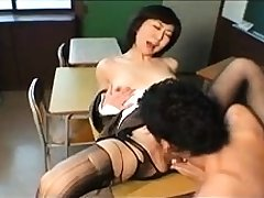 Soft MILF in stockings shows pussy