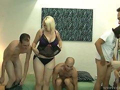 Big bottomed and leader blonde Alice Frost hooks roll in hermaphrodite dudes