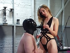 Dominant slut Mona Wales makes ladies' be wild about her pussy with strapon