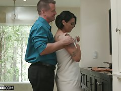 Hot blooded fit together Dana Vespoli is cheating on will not hear of retrench with bald confined neighbor