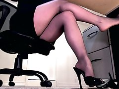 Ignored by sheer black pantyhose feet
