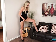 Wondrous added to gleaming blonde nympho Ashley Jayne wanna expose will not hear of nice company