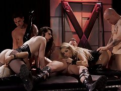 Wild increased by stunning Jessica Drake takes part in extreme hot orgy