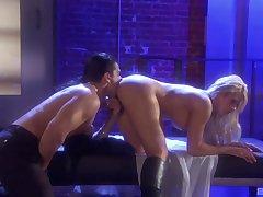 Erotic love making with attractive blonde pornstar Brooke Haven
