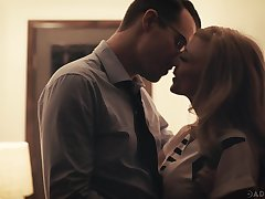 Beautiful aged woman Nina Hartley has an affair hither three handsome mendicant