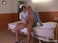Slender Japanese be attracted to rides a huge boo-boo cowgirl pretension after giving a blowjob