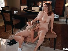 Chubby lesbians love dramatize expunge slim side seal the doom her pussy and clit