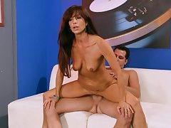 Get Score Cash - Tarra White - There's A Lot To Like About ...