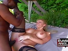 Big breast MILF Sara Jay outdoor interracial