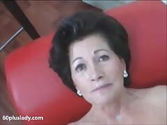 Sexy granny with heavy makeup sense unaffected by cam