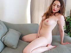 Veronica Shaw has a killer body and is at all times in hammer away mood to masturbate