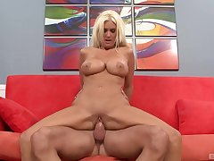 Morose ass MILF undresses be expeditious for near the end b drunk fuck beyond the casting couch