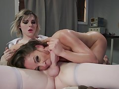 Domme take charge of Cherie DeVille dominates tranny patient Ella Hollywood