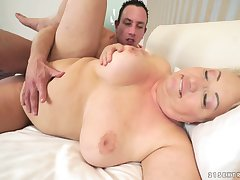 Astrid - Thick Granny Warm